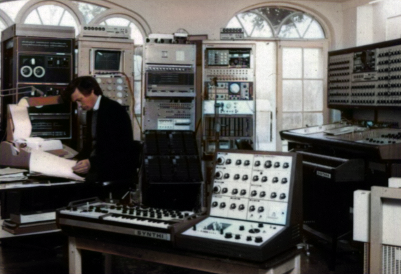 Dr Peter Zinovieff EMS Studio